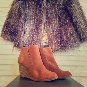 Lucky Brand ' LK Yoniana' Pull On Suede Bootie